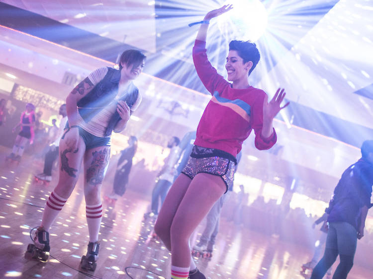 Find the best lesbian party happenings in Los Angeles