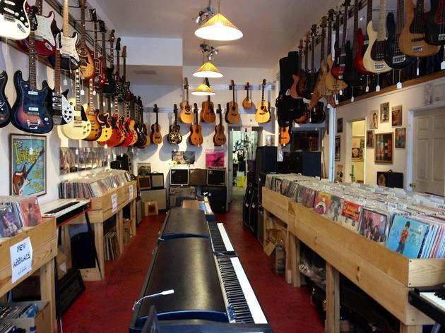 Best music stores in los angeles for guitars drums and more for Antique shops in los angeles