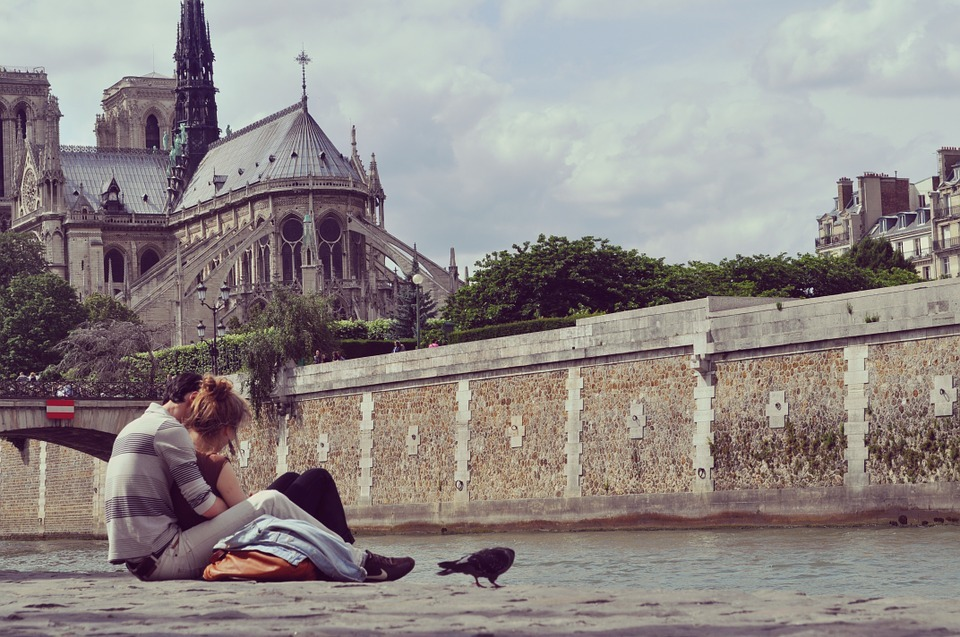 16 romantic things to do in Paris