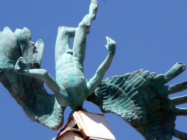 Paseo entre estatuas