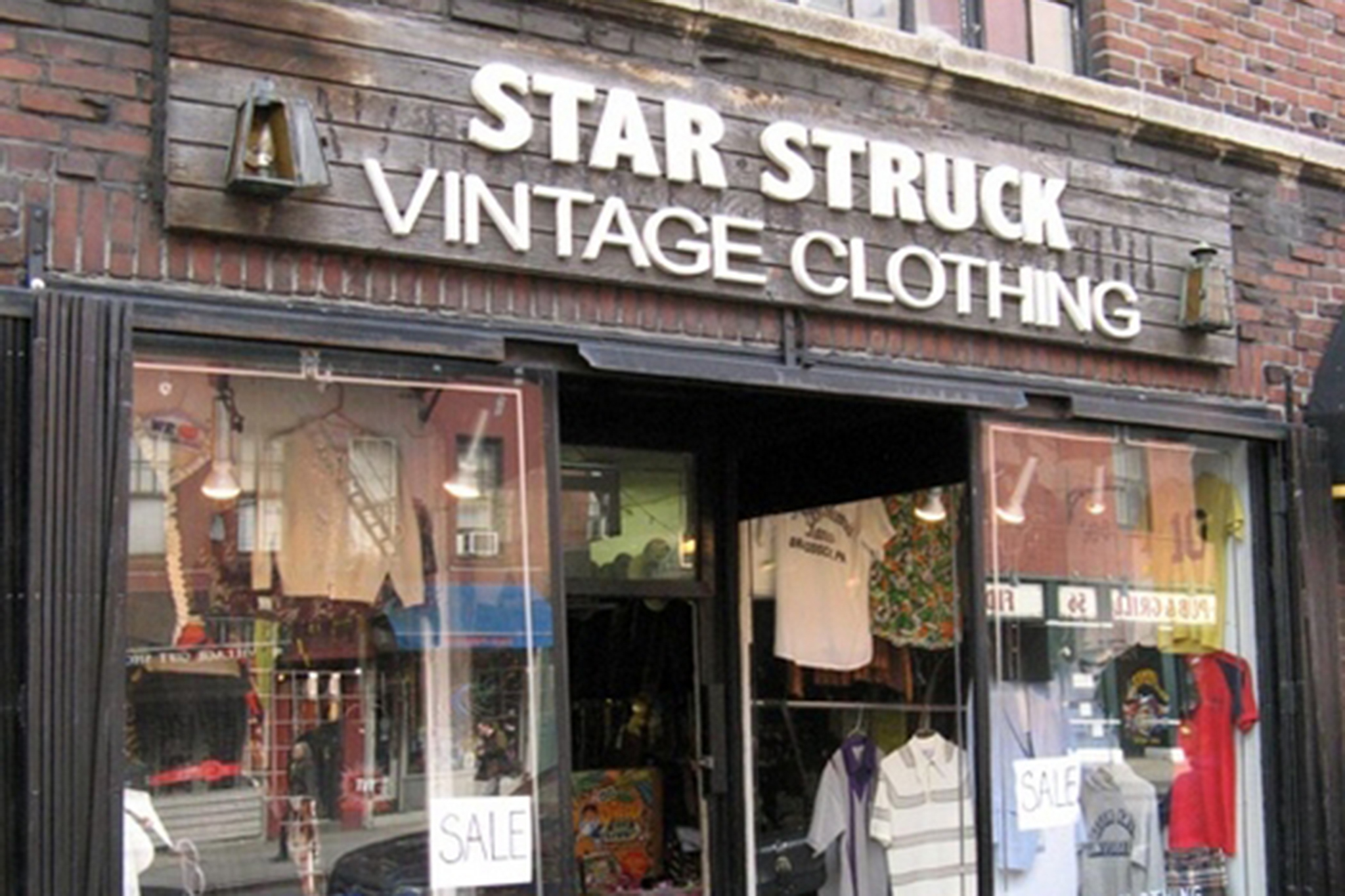 80s retro clothing store