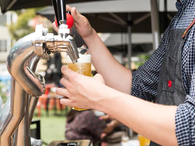 Beer DeLuxe taps