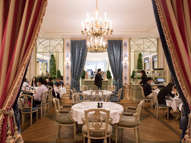Laduree Salon De The Restaurants In Siam Bangkok