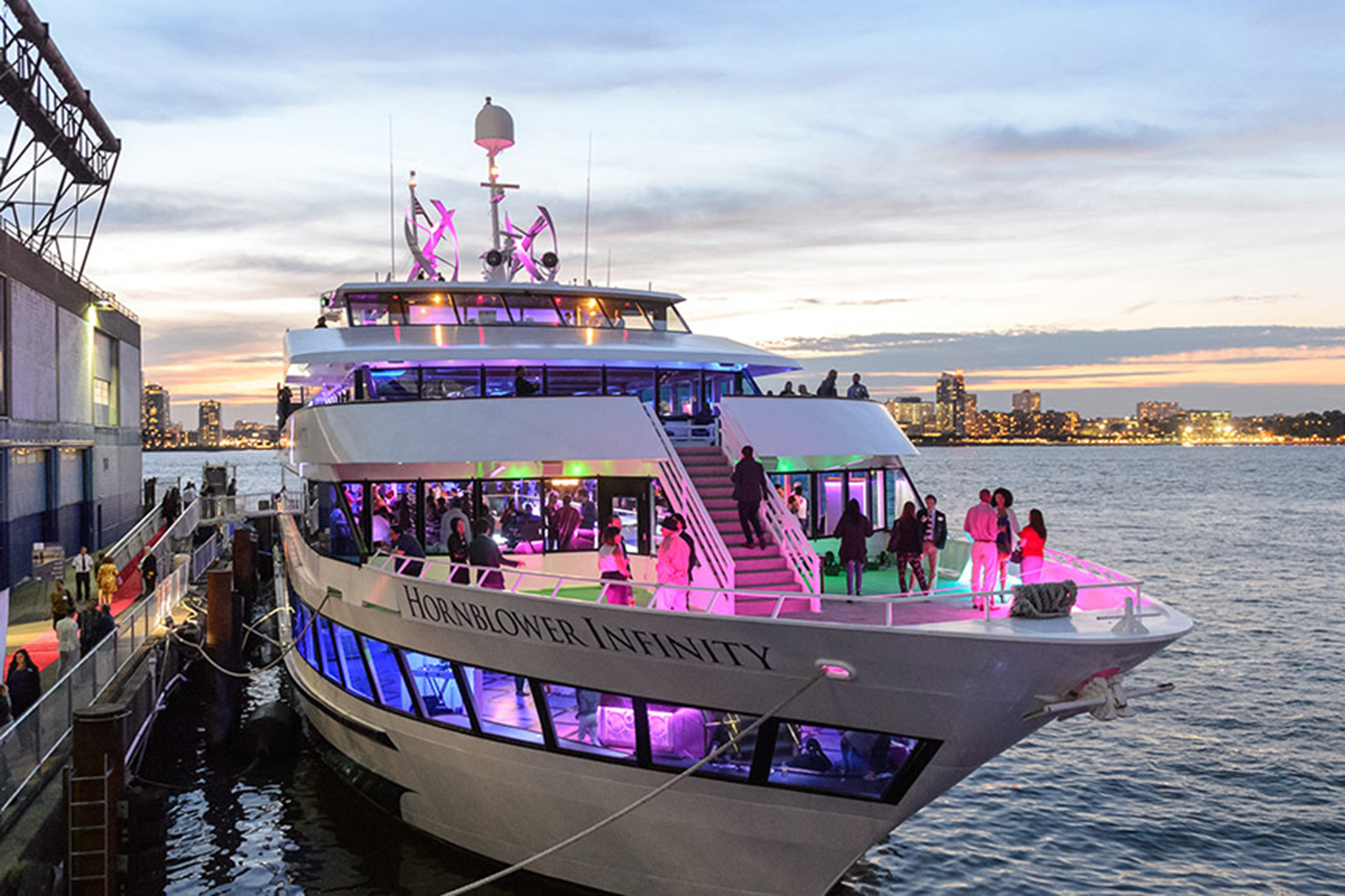 The best dinner cruises in NYC