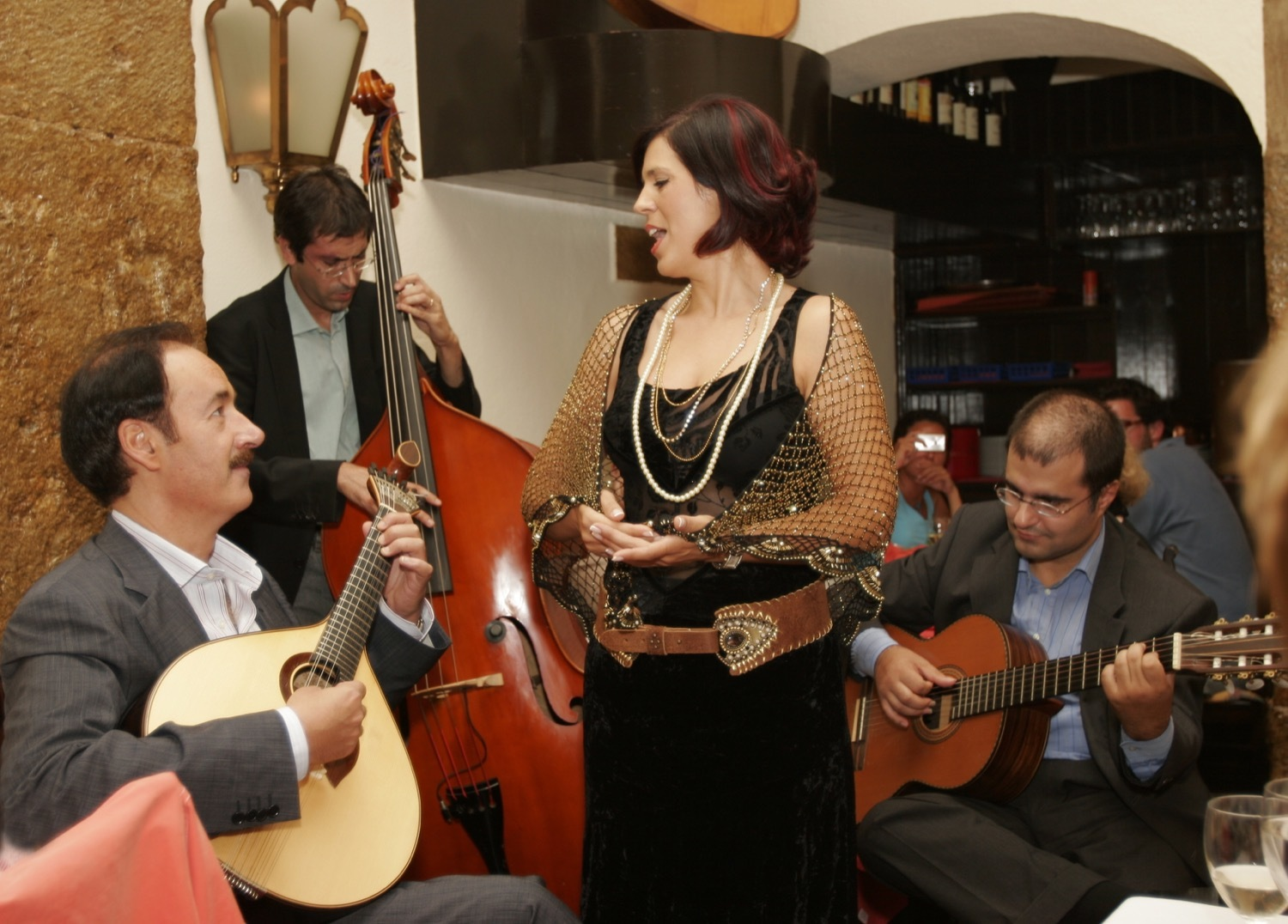 the best fado clubs in lisbon top fado music venues. Black Bedroom Furniture Sets. Home Design Ideas