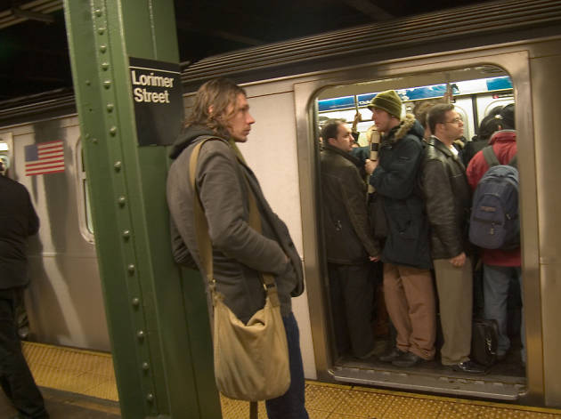 10 people that should be permanently banned from the subway
