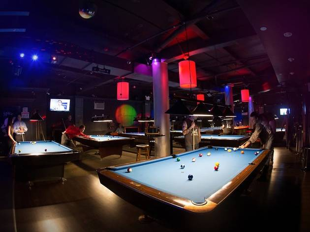 Best Pool Halls In NYC From Upscale Billiards Clubs To Dive Bars - Pool table hall near me
