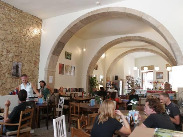 Pois Cafe
