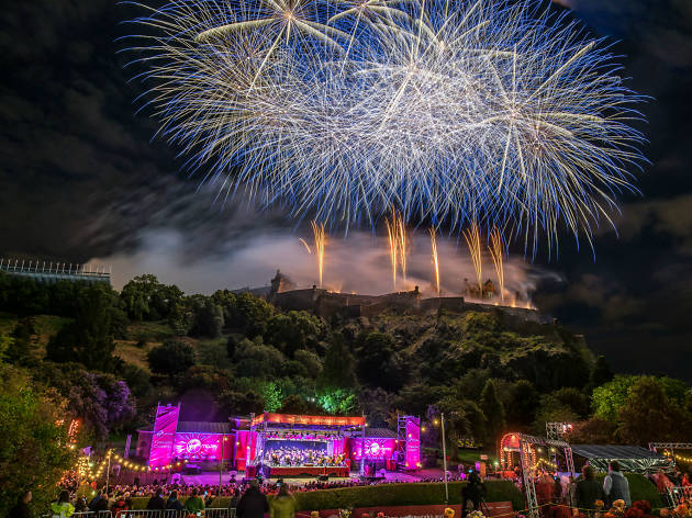 Virgin Money Fireworks Concert © Dave Stewart