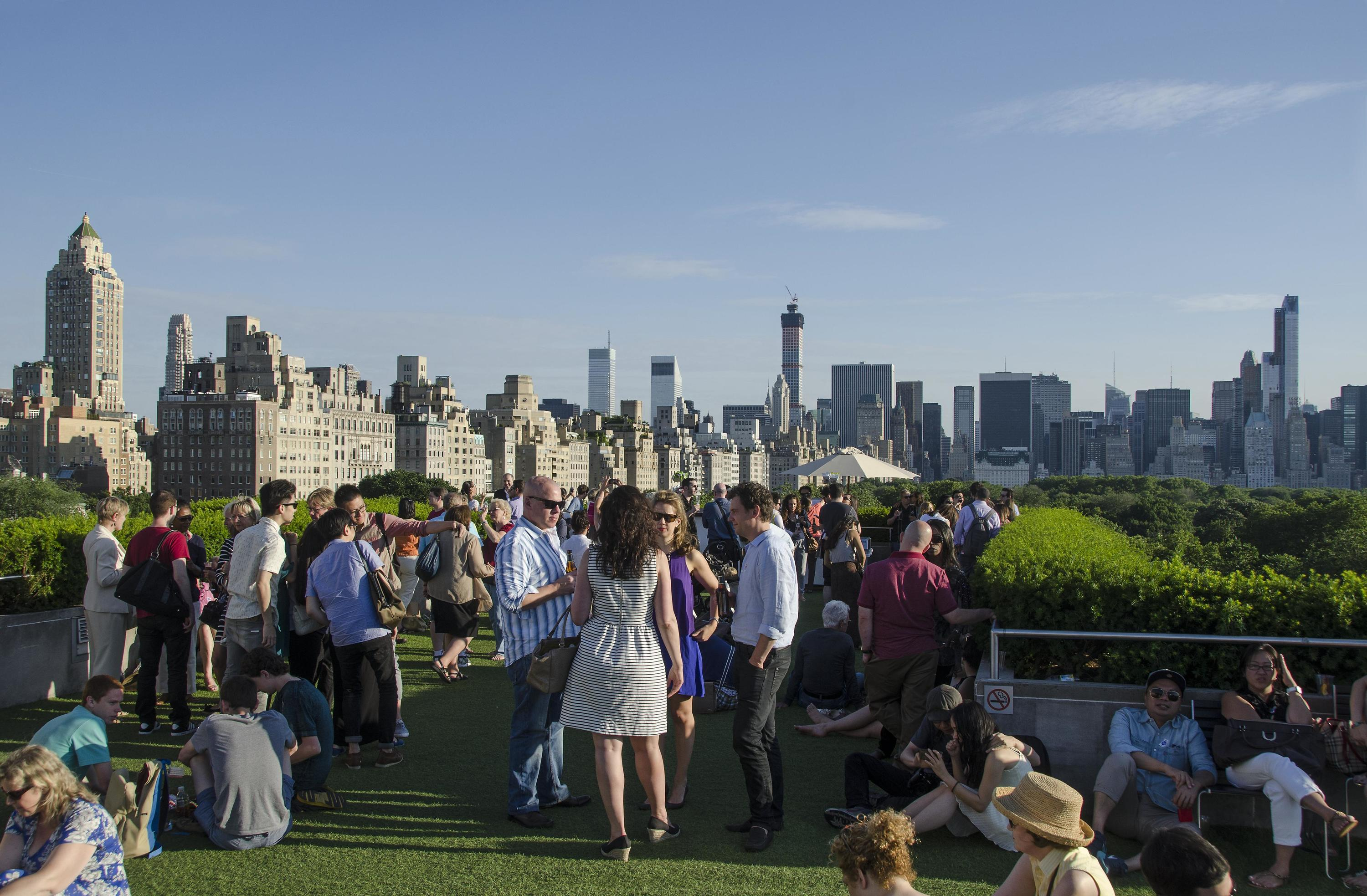 There S A Free Way To Get Into The New Vip Bar On The Met Rooftop