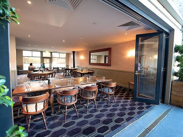 Auburn Hotel dining room
