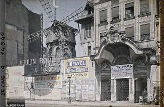 France, Paris, Luna Park et Moulin rouge