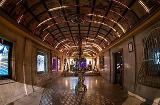Lobby del Teatro Fru Fru