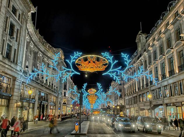 Christmas shoppers sparkling on Regent Street, 2014