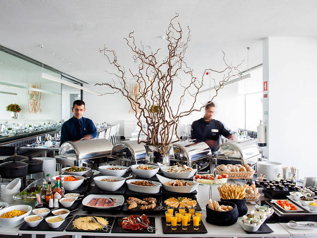 Visite a Cafetaria Mensagem e coma o melhor sushi da margem sul