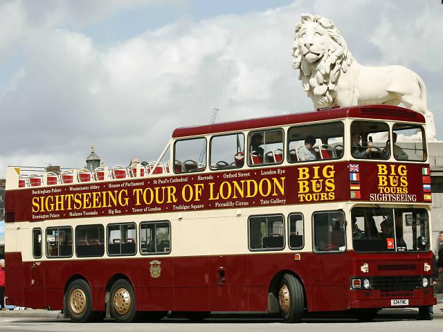 Stag do ideas: london bus tour