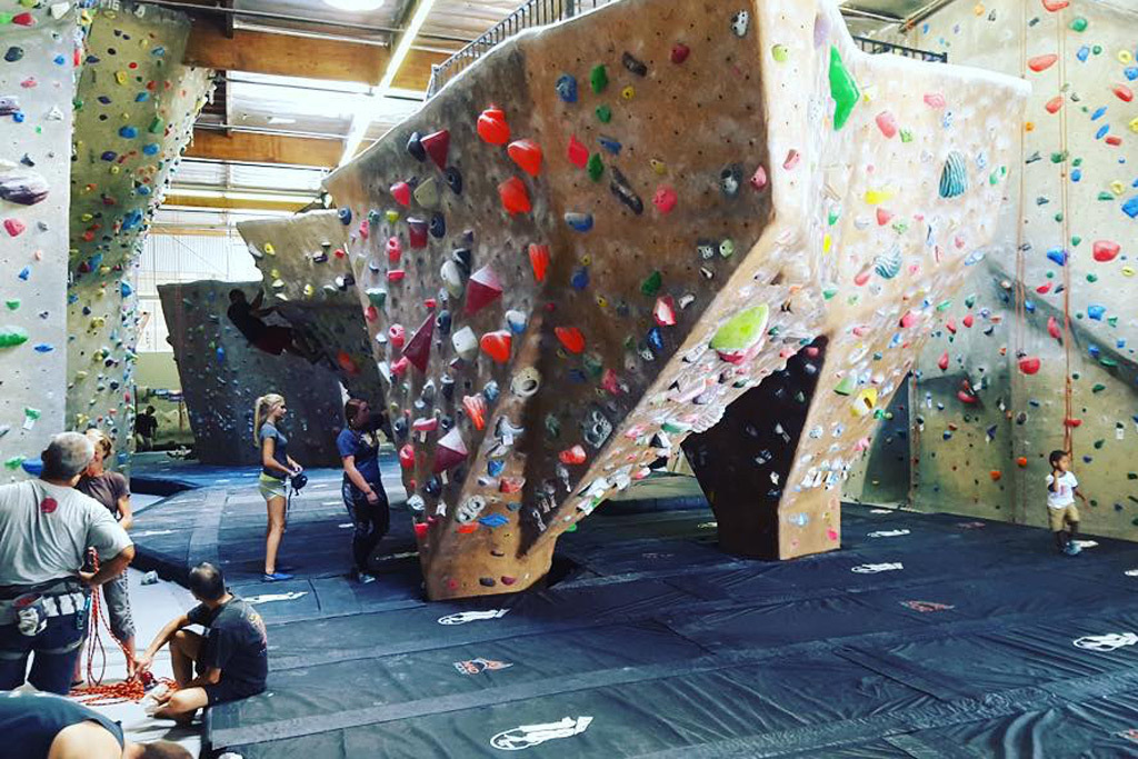 Guide to rock climbing gyms in and around Los Angeles