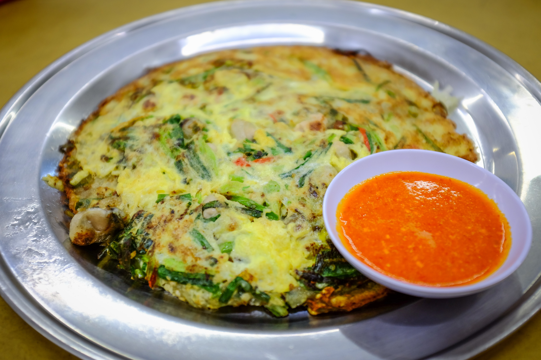 Oyster omelette at Restaurant Kuang Fong