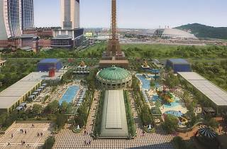 The Parisian Macao - outdoor pool deck