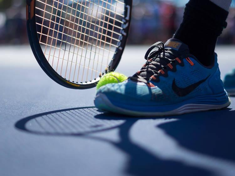 Jogue ténis no bate-bolas do Jamor