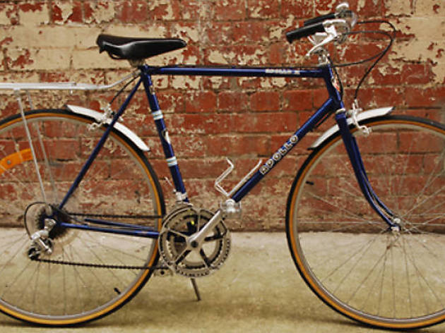 Explore the city on vintage bikes