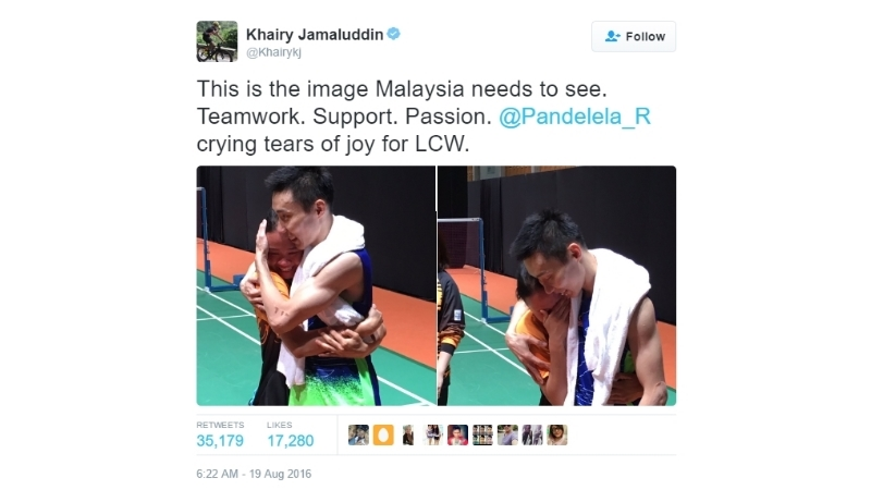 Pandelela Rinong embraced Chong Wei on his victory against Lin Dan