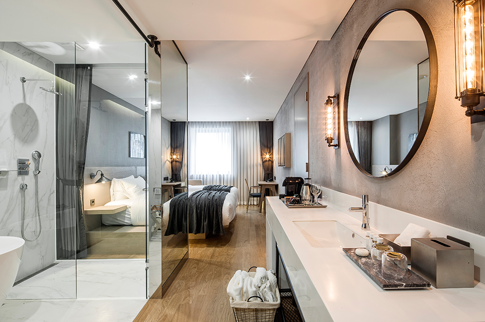 Small, Luxurious Hotel 28 Myeongdong