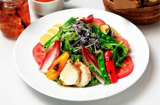 0種野菜とチキン、グレープフルーツのパワーサラダ