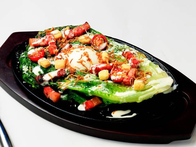 ロメインレタスの焼きシーザーサラダ