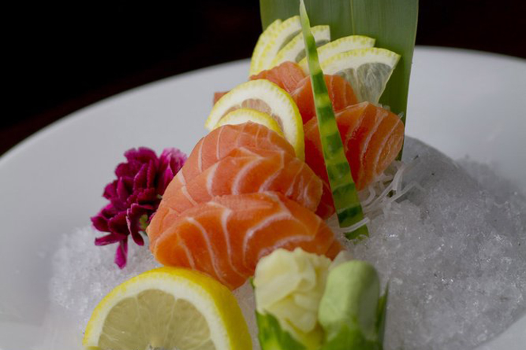 Best sushi in las vegas including sashimi raw fish and for Best fish for sushi