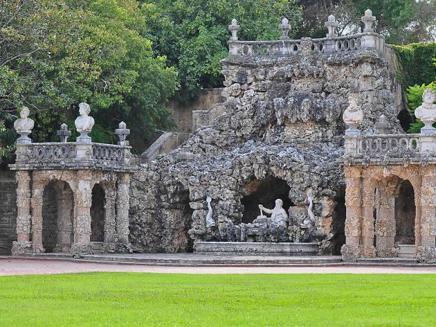 Cascata Dos Poetas do jardim do Palácio Marquês de Pombal