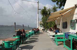Esplanada do restaurante Atira-te ao Rio