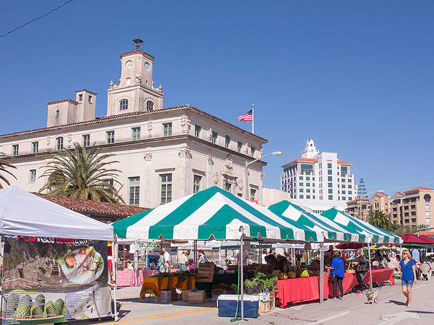 A Guide To The Best Farmers Markets Miami Has To Offer