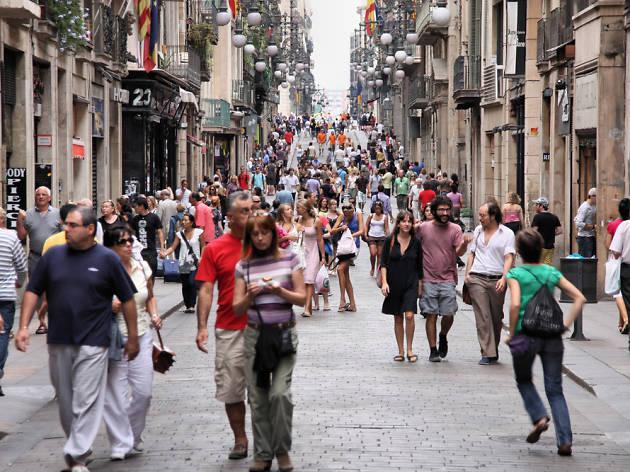 Preguntas extra as de los turistas en la oficina de turisme de bcn - Oficina de turismo de barcelona ...