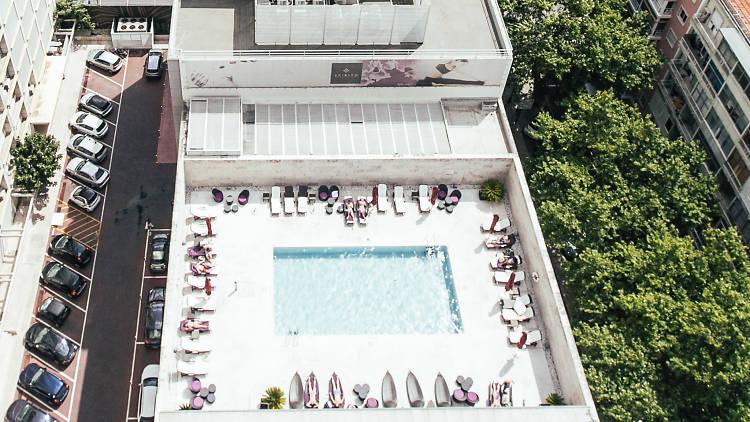 Piscina do Sheraton Lisboa Hotel & Spa vista do topo