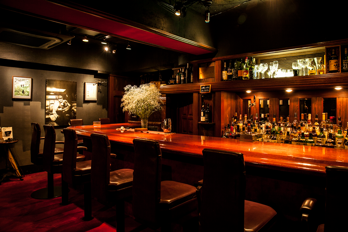 The best bars for drinking alone