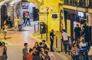 Rua Nova do Carvalho à noite