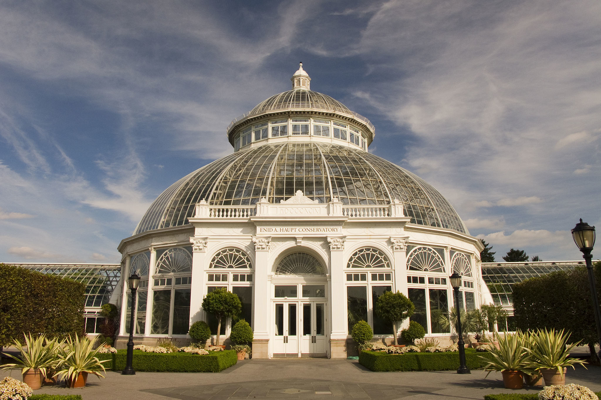 best restaurants near the new york botanical garden in the bronx