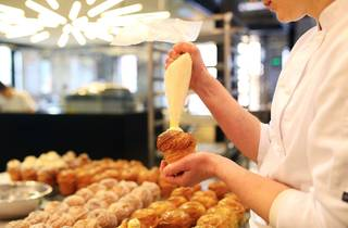 Filling Cruffins at Lune Croissanterie
