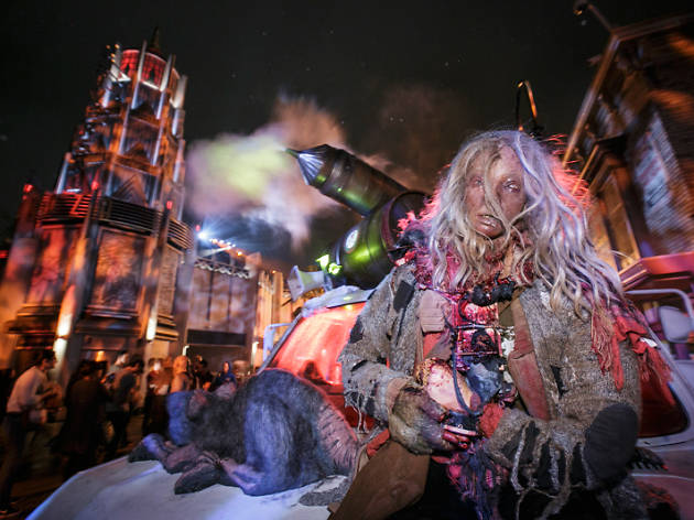 Best Haunted Houses In Los Angeles From Spooky To Terrifying