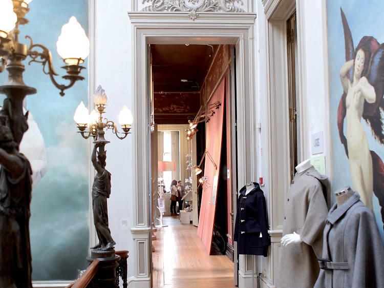 Shop at Embaixada