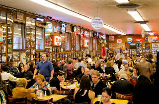 Katz's Deli (Photograph: Courtesy Flickr / Ricoslounge)