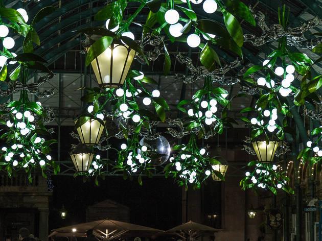 Covent Garden covered in mistletoe, 2015