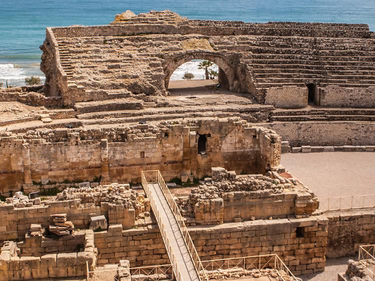 Transporteu-vos dos mil anys enrere a l'amfiteatre