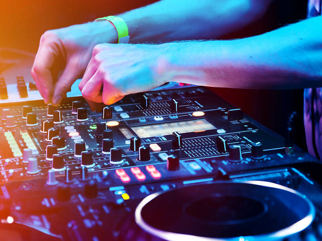 Instant DJ Class at the Foxgrove