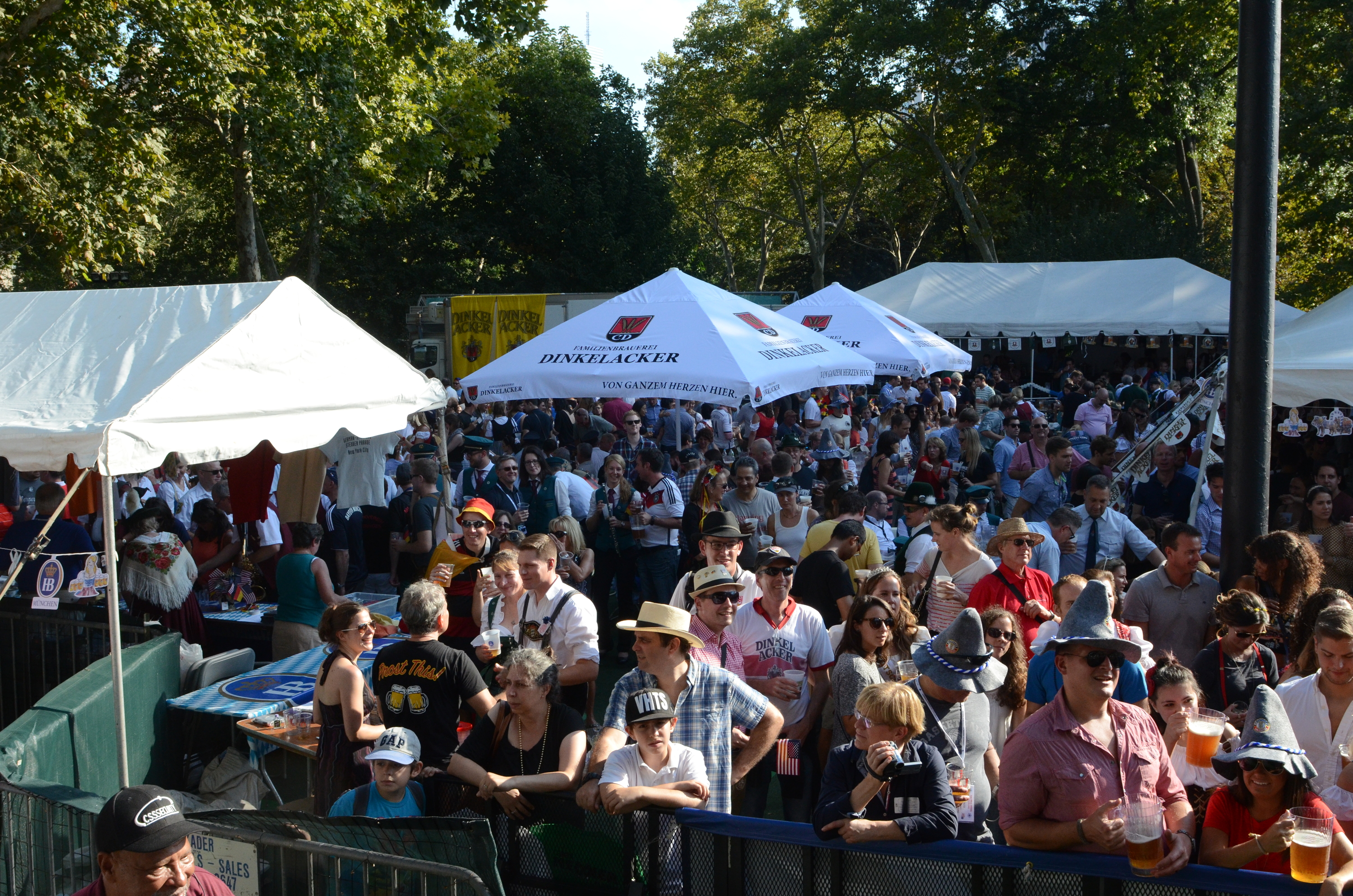 Best oktoberfest nyc events including places to drink for Activities to do in nyc