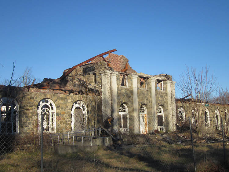 Ten haunted places in New York state that are beyond creepy