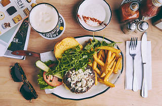 Black Tap: Craft Burgers & Beers
