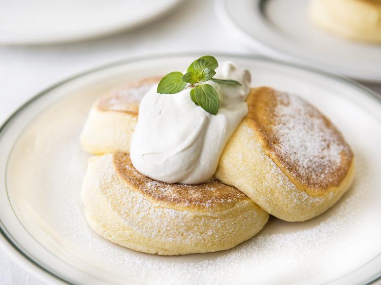 Bite into fluffy Japanese pancakes at Flipper's