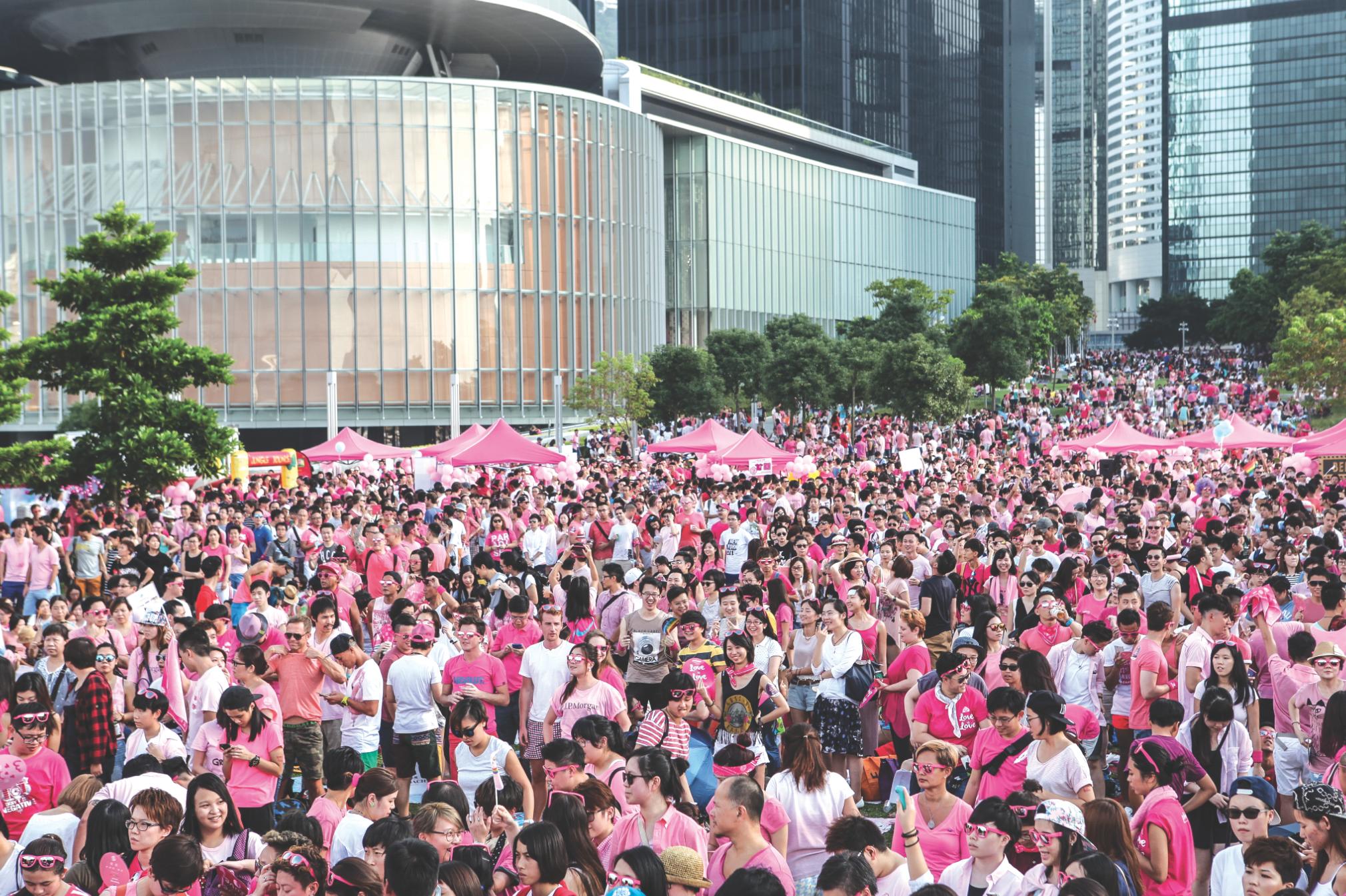 Behind the scenes at Pink Dot 2016